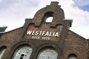Westfalia-Kantine_aussen_02